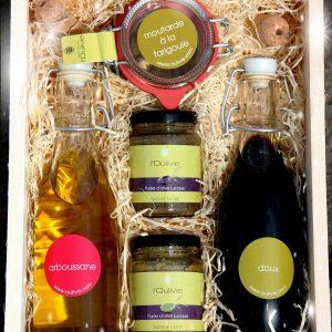 Coffret Oulivie gourmand composé d'huile d'olive, purées d'olive, vinaigre et moutarde du domaine L'Oulivie